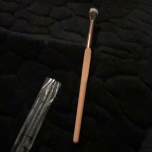 Luxie makeup brush